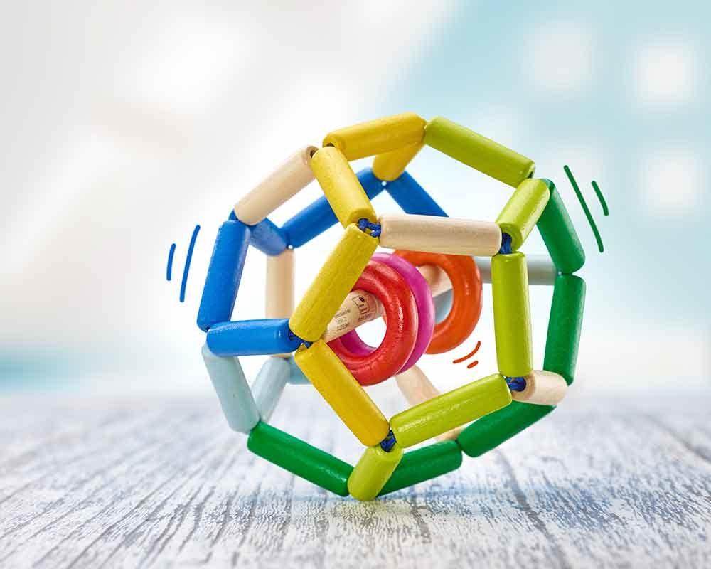 hochet bois balle elastique space